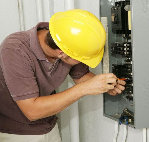 How to choose an electrician in Raleigh